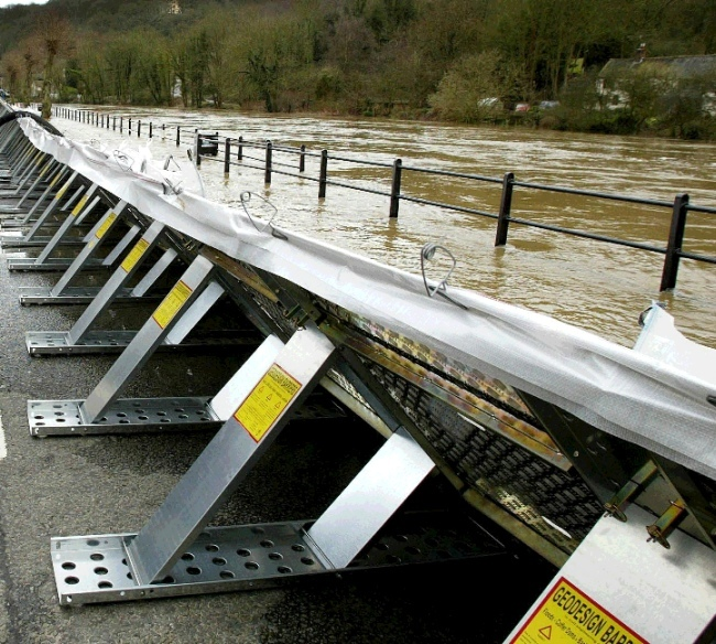 Flood-Barrier