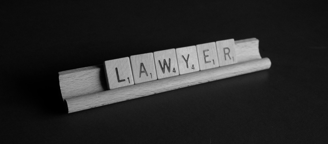 Factors to look when choosing a lawyer